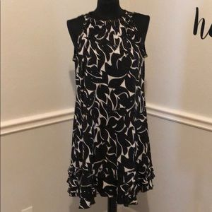 Dresses & Skirts - Above the knee sassy flirty dinner dress size 14